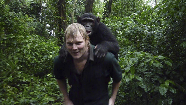 luke_carrying_chimp